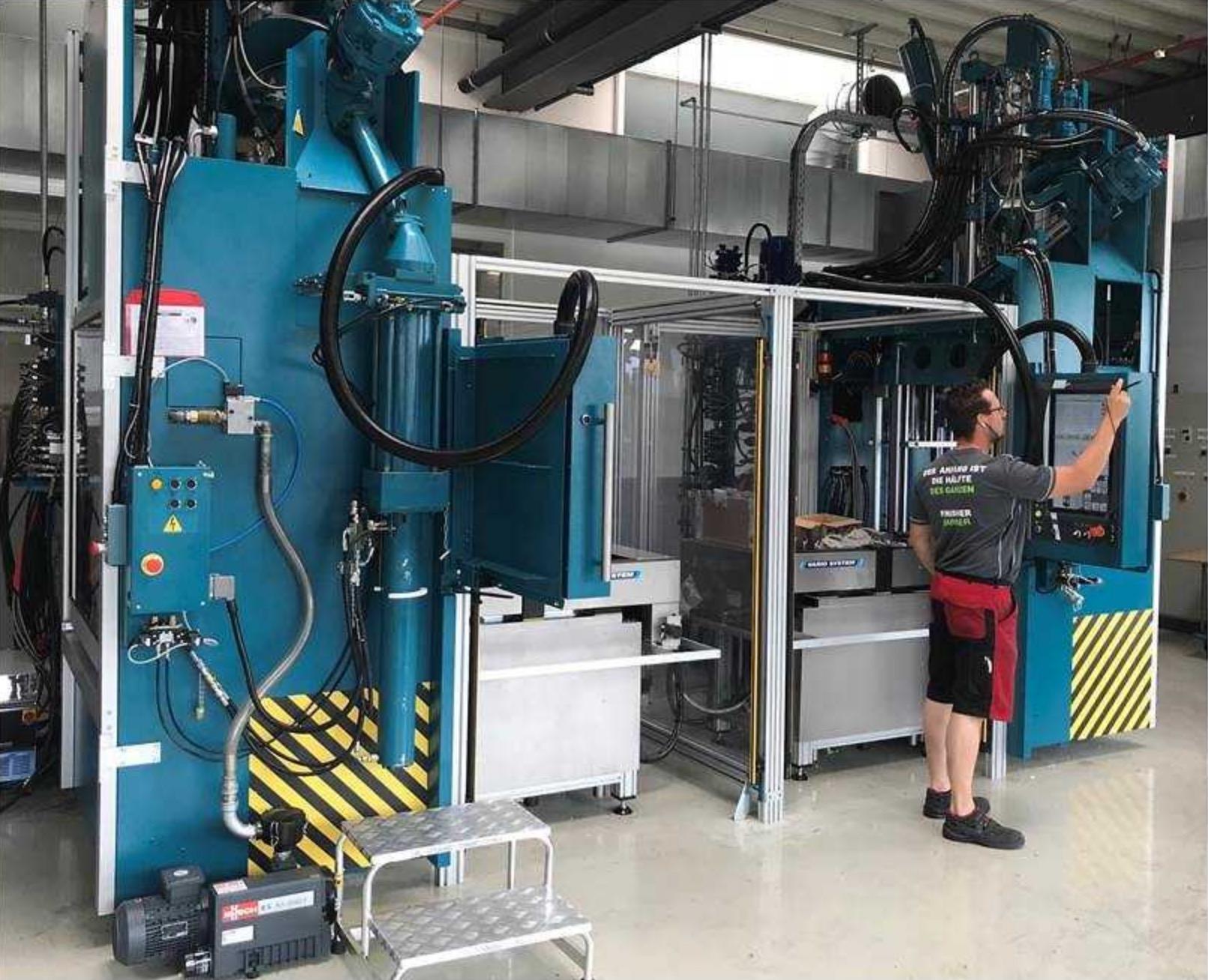 Zwei neue Spritzgießautomaten für Großprojekt 2018 bei SBG